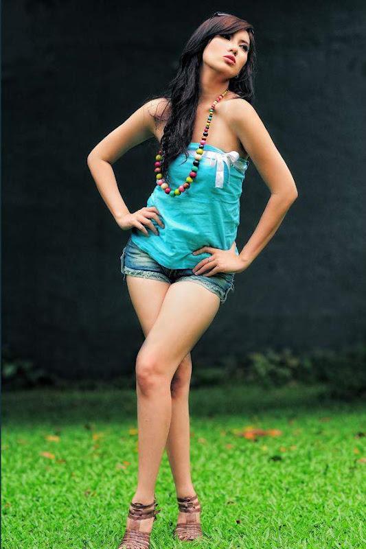 model bugil Pose Seksi Model Indonesia