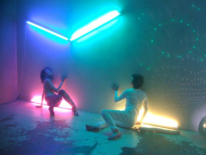 Neon.s3