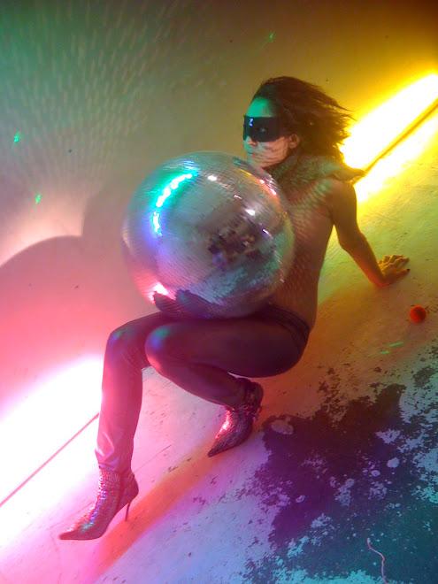 Neon.s . . . .  .... . . . . . .. .. ... . . . . . . . . .. . . .