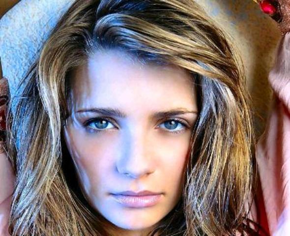 hot wallpapers hollywood actress. Mischa Barton Hot Wallpapers,