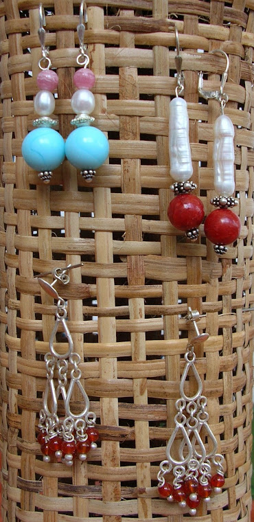Ohringe aus Edelsteinen und Perlen