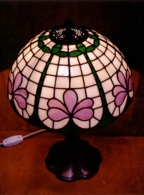 Planeta tiffany lampara de mesa for Lamparas de mesa tiffany