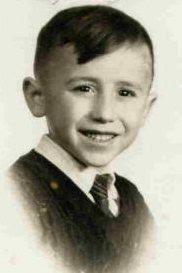Mikel Agirregabiria, con 5 años en 1958 (primera foto escolar)