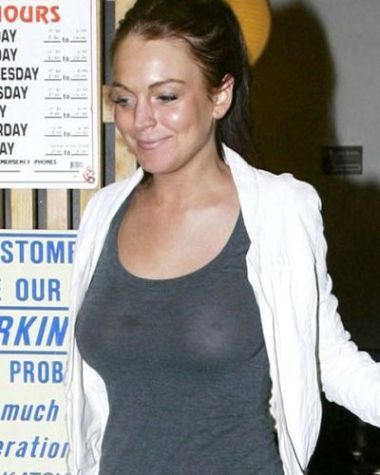 Lindsay Lohan Without a Bra. Posted by Sharukh Bamboat at 11:55 PM