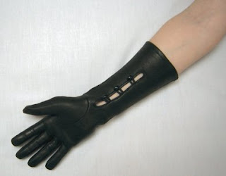 The Elegant Mid-Length Black Leather Mansfield Gloves