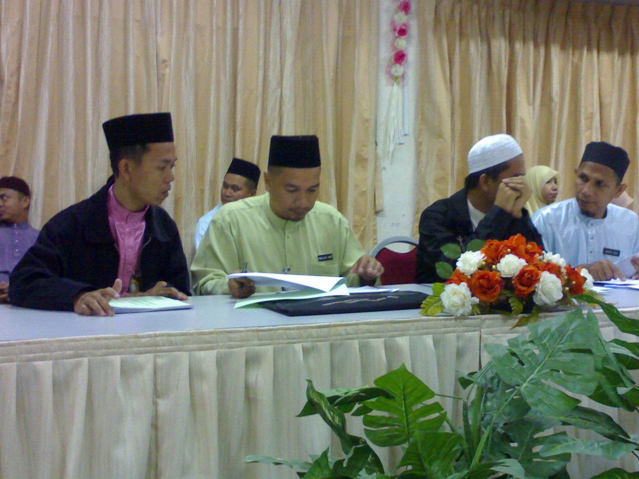 tawau muslim Mengkaji tahap pengetahuan dan persepsi pengguna muslim terhadap  pensijilan halal pada premis makanan (restoran) di bandar tawau,.