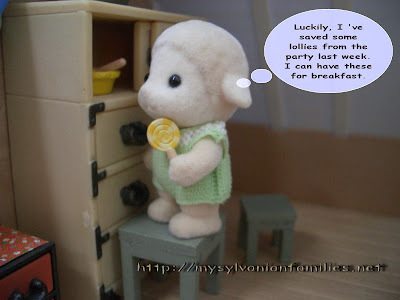 Sylvanian Families Story - Sheepie took a lollie as his breakfast.