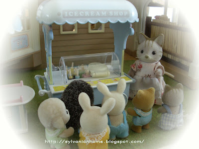 Sylvanian families ice-cream shop