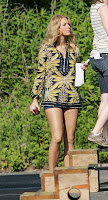 10793 NF64LI7J4E Gossip Girls in New York 03 7  122 511lo Blake Lively Photo Gallery