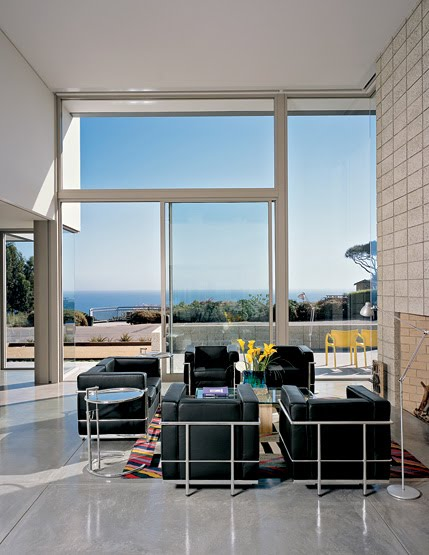 Our friends Leland and Marian, neighbours of ours in the Sud Ouest, have  just completed a contemporary house in Santa Barbara, California.