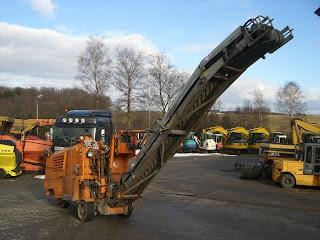 3 763357 FREZA DE ASFALT Wirtgen 500 freze de asfalt second hand mici 1992 20.000 Euro