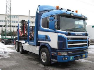 CAMION%2BPENTUR%2BTRANSPORT%2BLEMN%2BSCANIA%2B2 786805 CAMION PENTRU TRANSPORT LEMN Scania R144GB 6x2 second hand de vanzare 1998 26.000 Euro