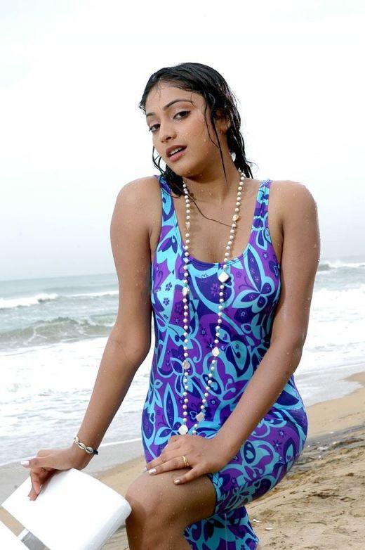 Haripriya Hot Images cleavage