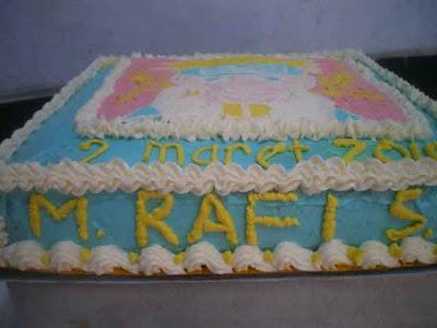 kue tart bisa beraneka ragam macamnya.. pada dasarnya segala macam ...
