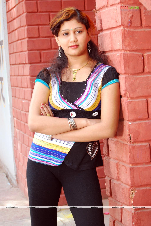 http://1.bp.blogspot.com/_JUw2aRvPUwc/SxO6aUKq-8I/AAAAAAAAOoE/qcrKYEZ2c9E/s1600/Amrutha+Valli+Hot-Sexy+Pictures+Wallpaper++11.jpg