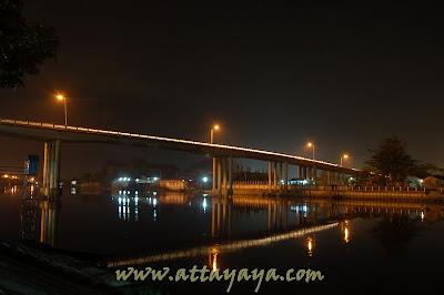 Festival_Lampu_colok_Jembatan_Leighton_Sungai_Siak
