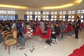 Seminar Blogging For Money di Politeknik Chevron Riau (PCR)