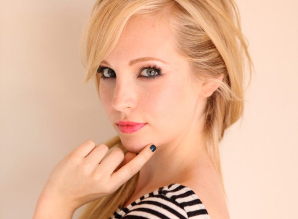 My beautiful life (Relaciones de Charlotte Foster) Candice_accola_stripe_3