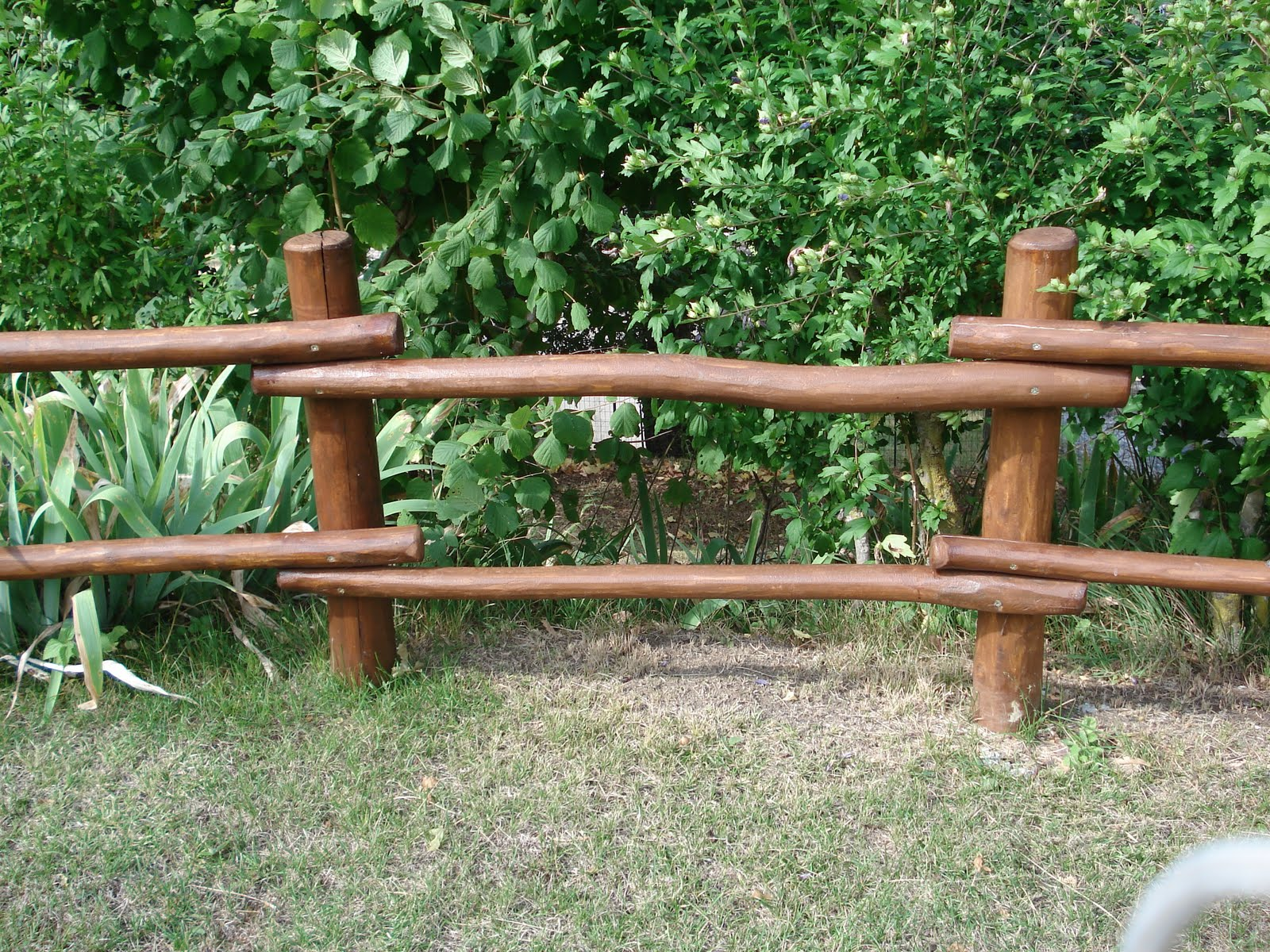 Lavori in legno per esterno recinzioni da esterno - Recinti in legno da giardino ...