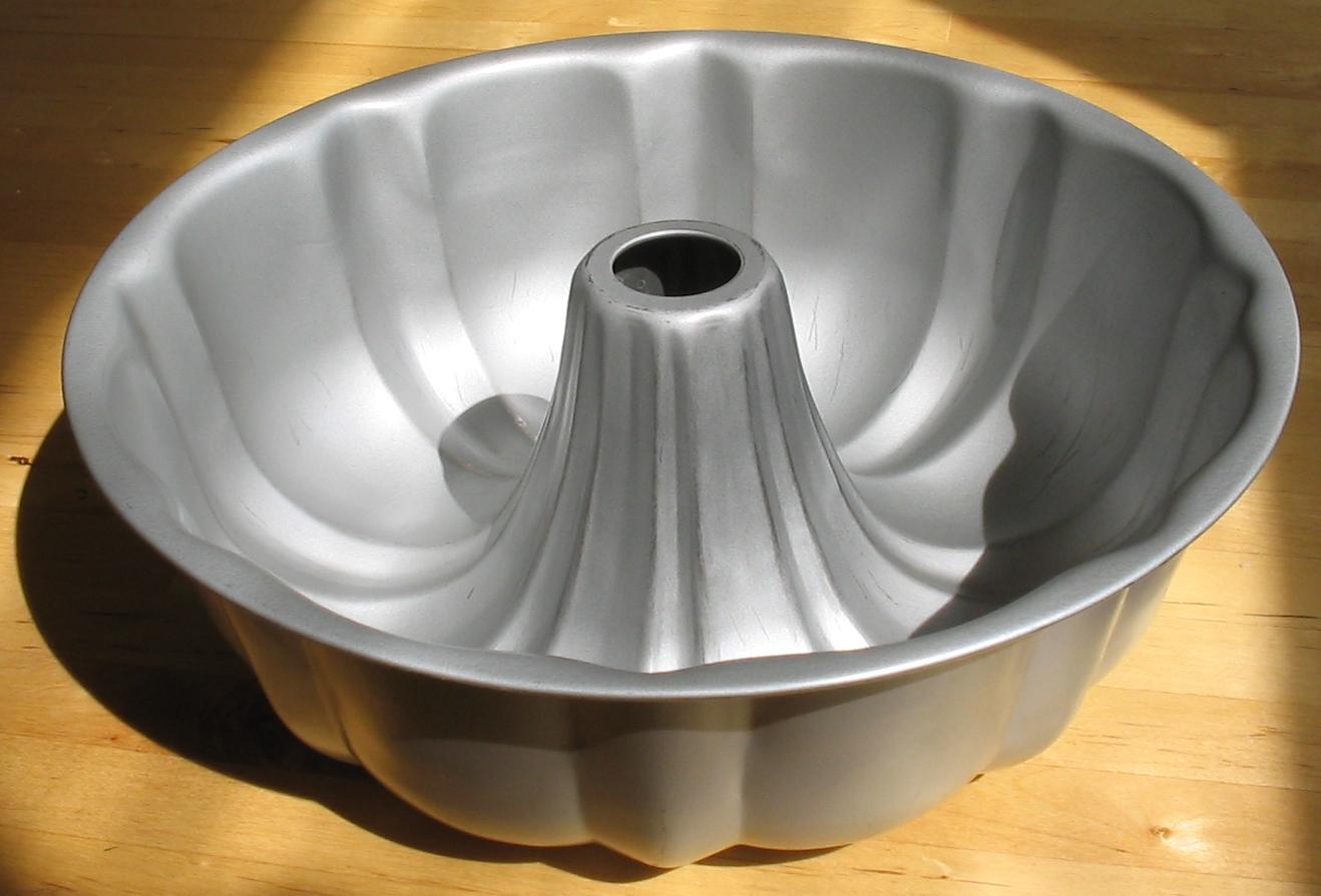Flour A Cake Pan