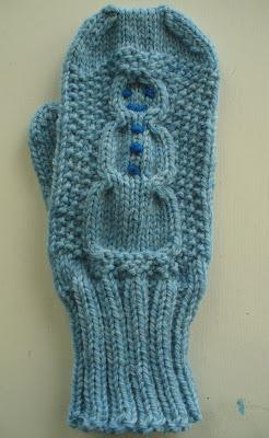 Knitting Pattern For Snowman Mittens : Mystery Mitten Knitalong: Large Snowman Pattern