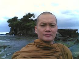 Berada di Bali tanahlot