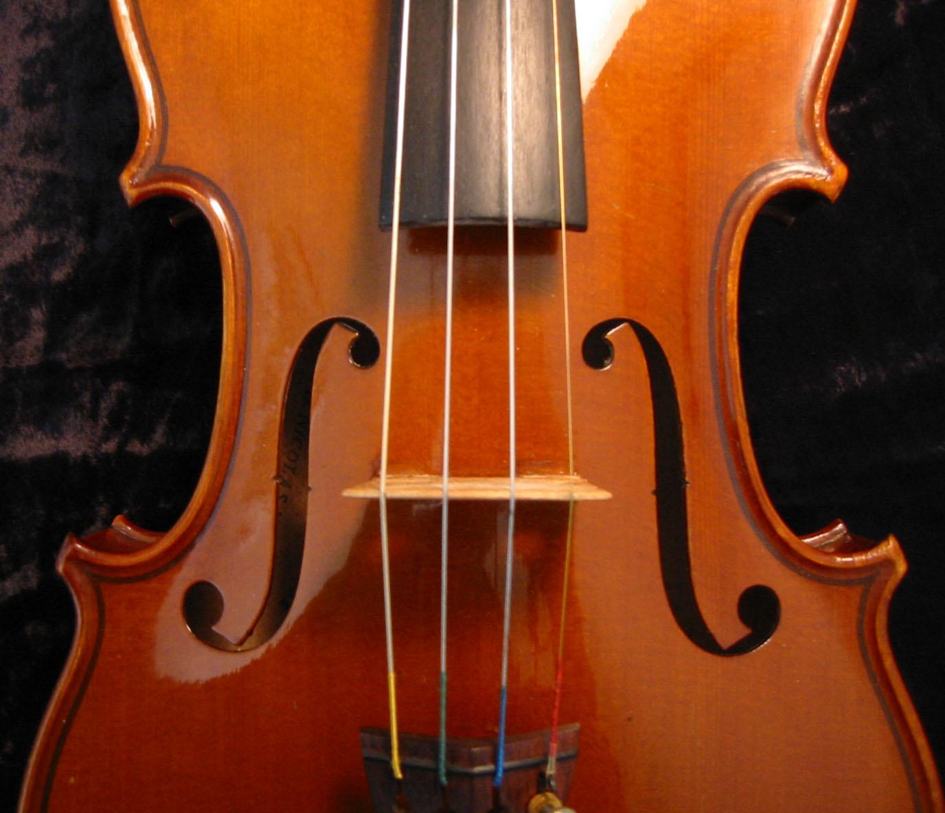http://1.bp.blogspot.com/_Jbp5VBrAaqo/S_SmepIgWvI/AAAAAAAAAYA/RJPCe1Quyp0/s1600/Violin1.jpg
