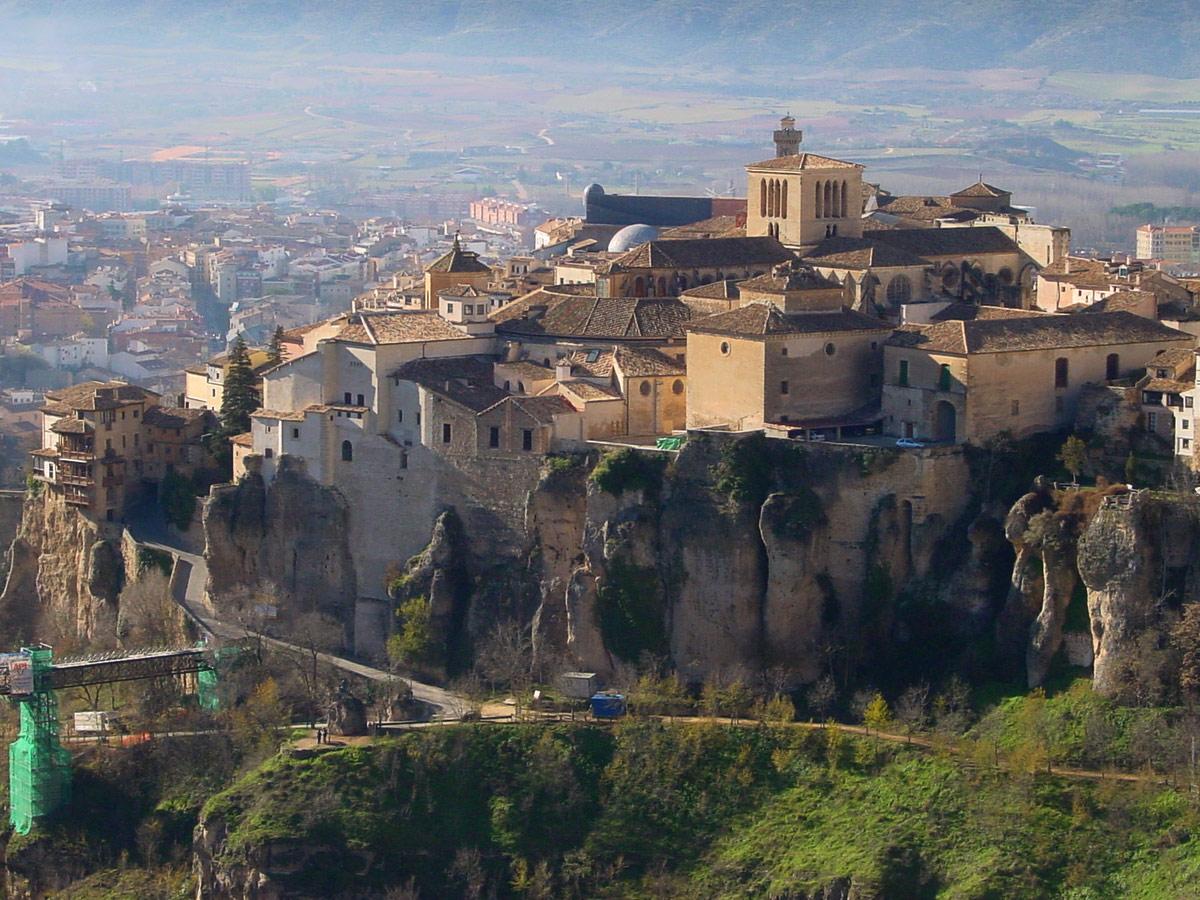 Historia del arte amparo santos cuenca la ciudad for Esta abierto hoy la maquinista