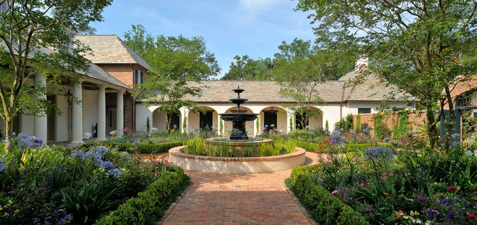 Period homes for Home designs jackson ms