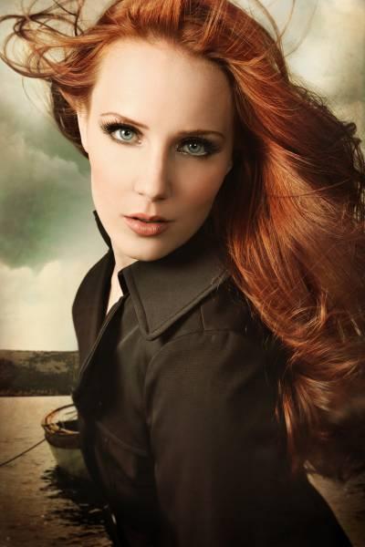 Briana – O verdadeiro nome de Sophie - Página 6 Simone_Simons-2647_2339