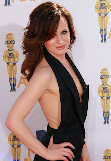 Elizabeth Reaser tits and nipple slip