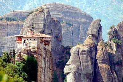 http://1.bp.blogspot.com/_JiNZqyAPP_o/TTESyMKt_eI/AAAAAAAADn8/QMVbIWk21Mo/s640/Meteora%252C+Greece.jpg