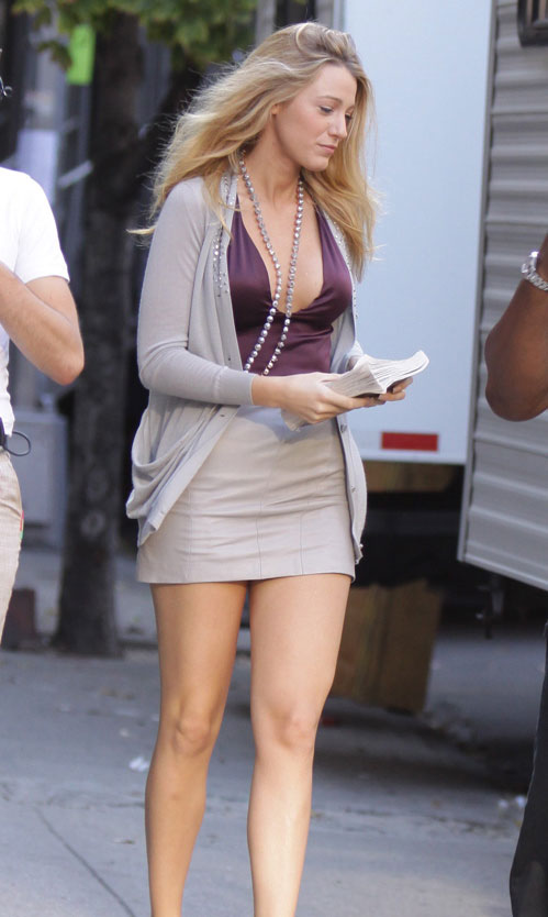 as demonstrated by Blake Lively (above) picture from thegrumpiest.com