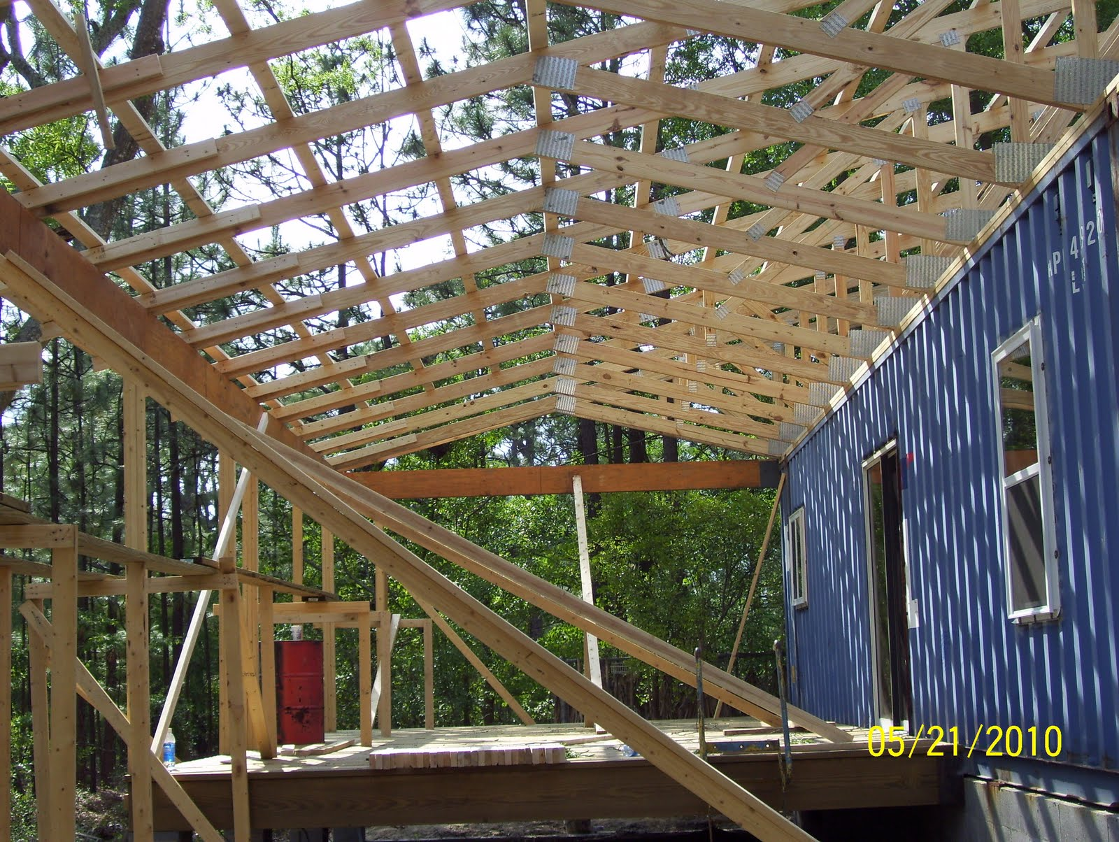 Prefabricated roof trusses for Prefab roof