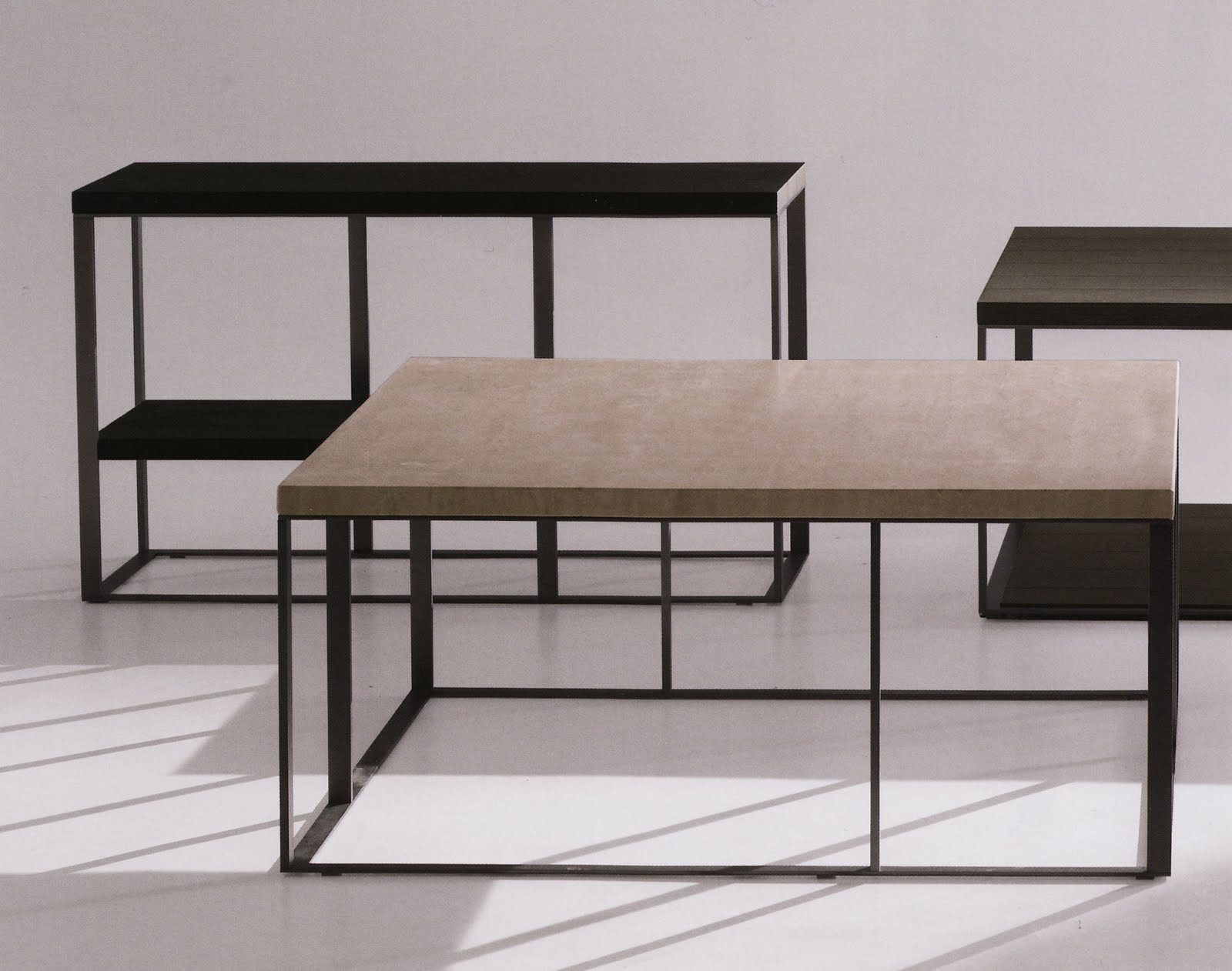 The New Simplice Collection by Maxalto Tables La nouvelle