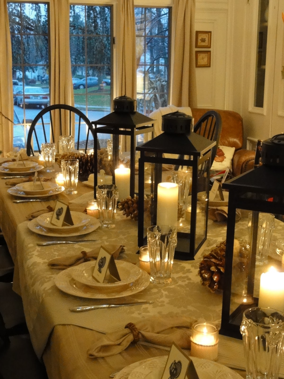 the table looked beautiful this year glowing in shades of cream tans