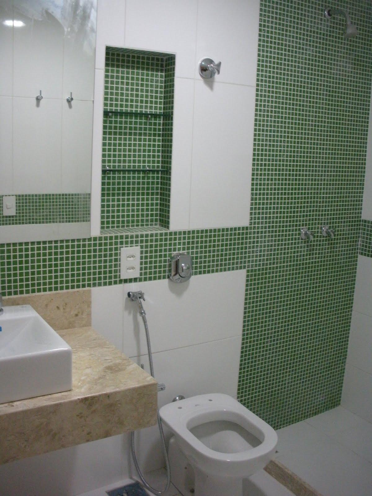 Gleide casa nova: Banheiro verde suite!! #3A4936 1200x1600 Banheiro Branco Com Pastilhas Verde
