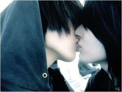 http://1.bp.blogspot.com/_JmPMYudUVkU/TRXqP_am-WI/AAAAAAAAABM/P4SH2YhUTAc/s1600/kiss.jpg