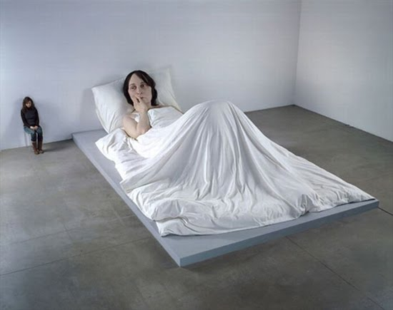 [Very+Graphic+and+Disturbing+Sculptures+it's+looking+Real+Human+23.jpg]