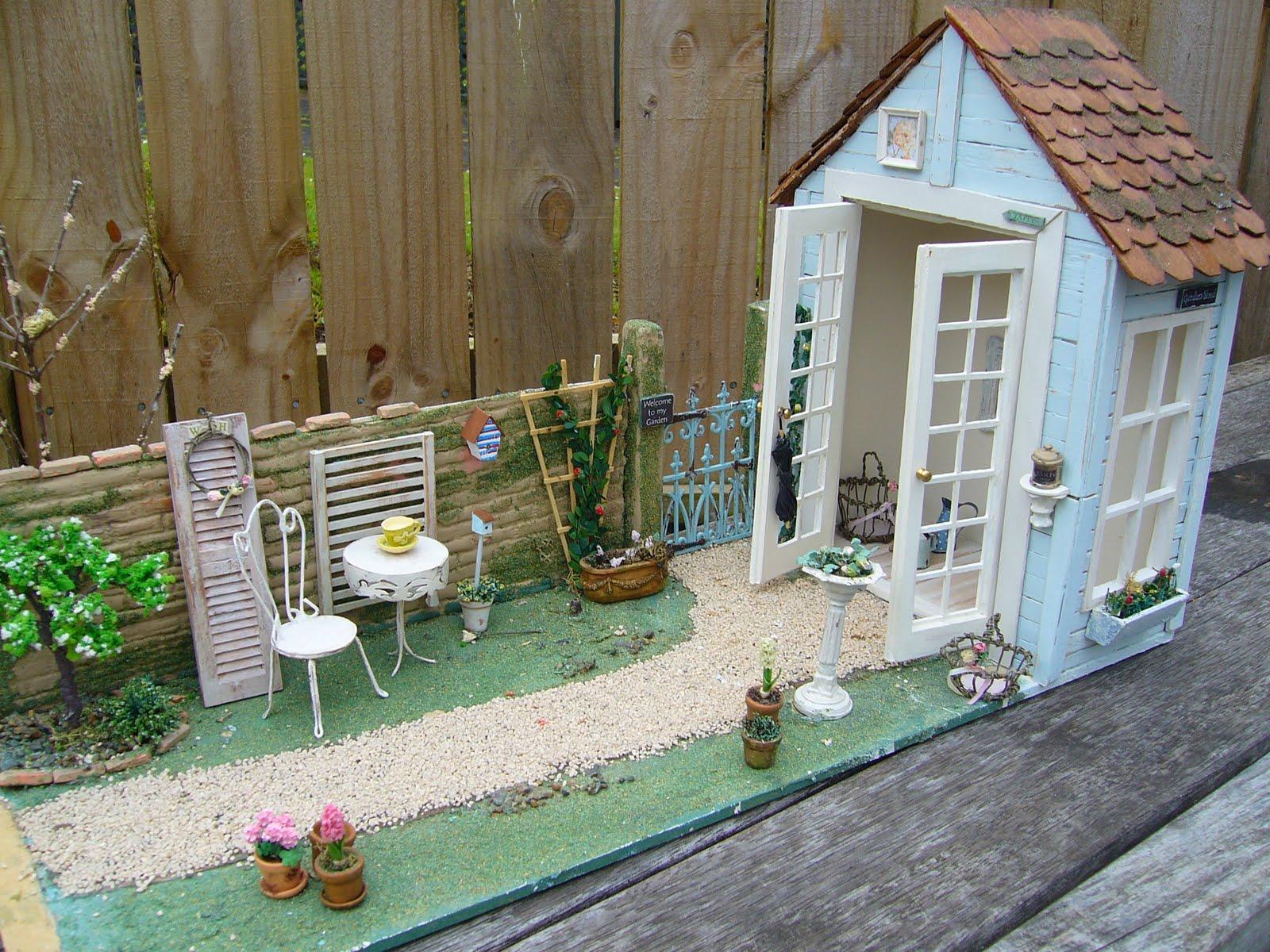 Linden rose miniatures old garden makeover for Garden makeover