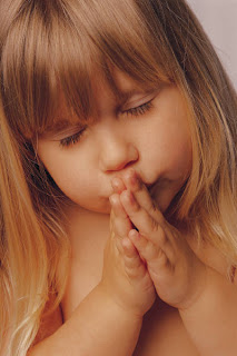 [little+girl+praying]