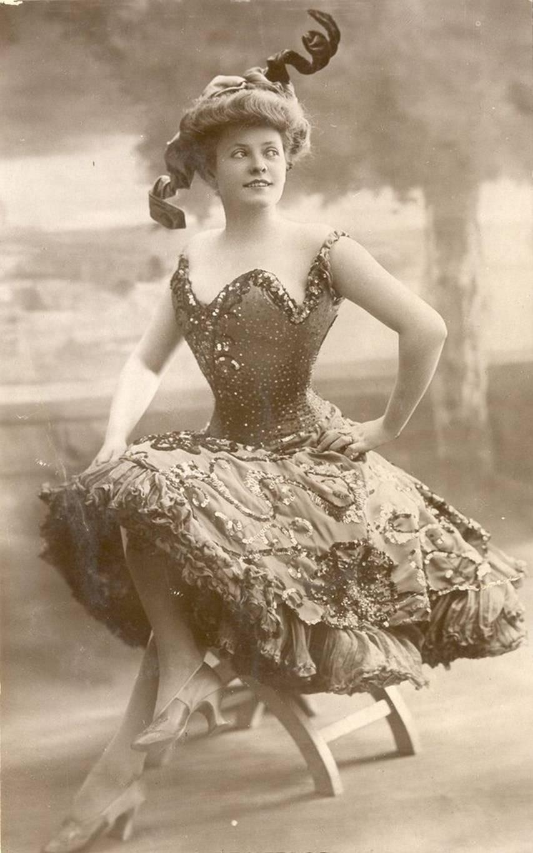 Фотография дамы 19 века 2 фотография