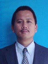 Suami tercinta : Shamsuddin b. Yaacob