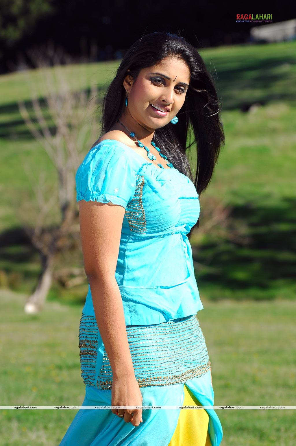 Baby Shamili cute hot photos | Creative News Information ...