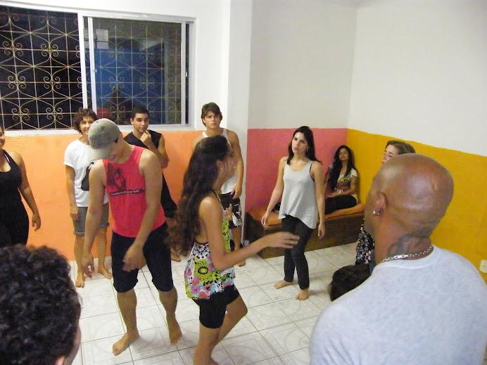 alunos da CAP ESCOLA DE TV participaram de forma bem criativa da aula