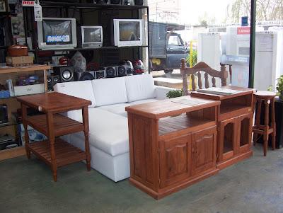 Imagenes de living con muebles de algarrobo for Mesa algarrobo precio
