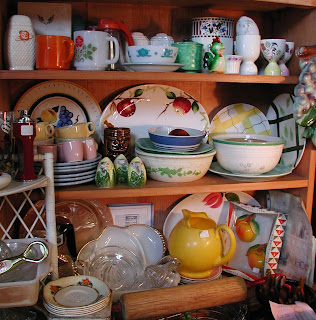 LP Vintage Antiques At The St Lawrence