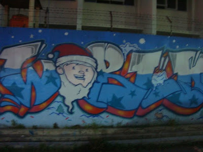 santa smile graffiti,cool graffiti christmas,graffiti murals,graffiti alphabet