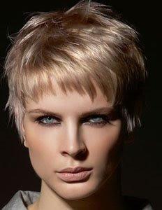 медно руса коса небрежна къса прическа