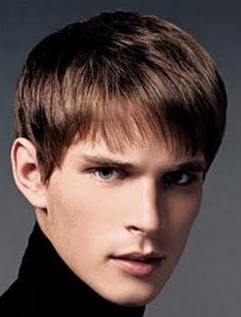 мъжка прическа с бретон за сърцевидно лице